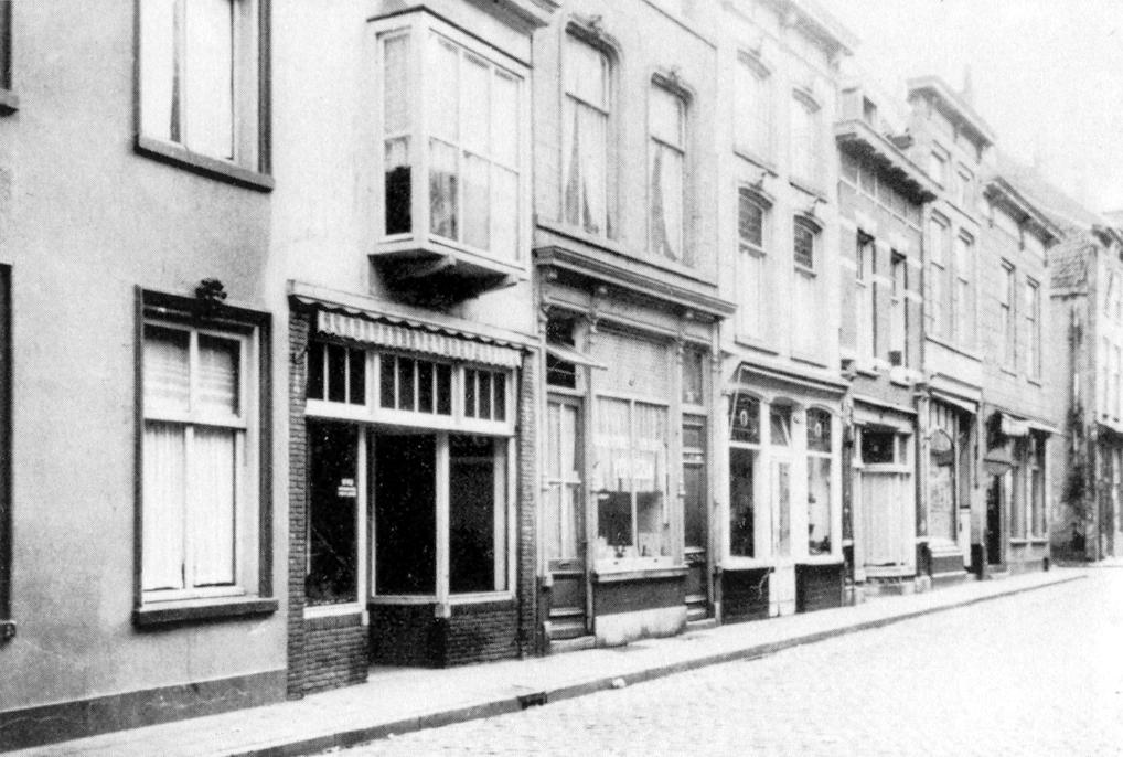 julia oude nieuwstraat